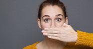 10 Hal Yang Bisa Menyebabkan Bau Mulut
