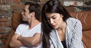 10 Tanda Pasangan Selingkuh Di Belakang Kita
