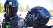 10 Merk Helm Terbaik Di Dunia