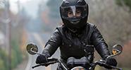 10 Hal Yang Harus Diperhatikan Saat Membeli Helm
