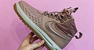 10 Cara Merawat Sepatu Sneakers Agar Terlihat Seperti Baru