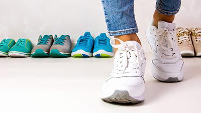 choosing shoe