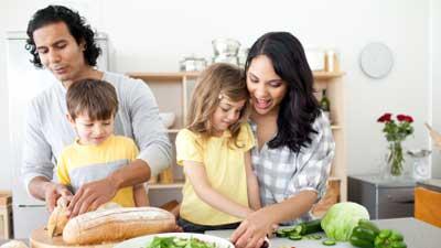masak bersama keluarga