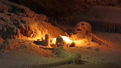 Actun Tunichil Muknal mungkin saja merupakan pintu masuk menujju dunia lain alias akhirat atau neraka