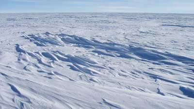 Dome F atau Dome Fuji di Antartika adalah tempat paling dingin yang ada di dunia