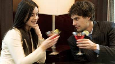 Dengan membelikan minuman atau makanan itu dapat mengarah ke meeting yang sangat efektif