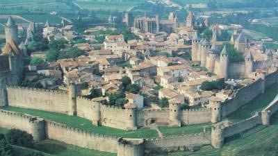 Carcassonne, Perancis, merupakan salah satu kota bertembok paling menakjubkan di dunia