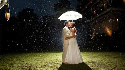 Fotografer Pernikahan memperbolehkan seseorang pergi ke luar negeri untuk dibayar