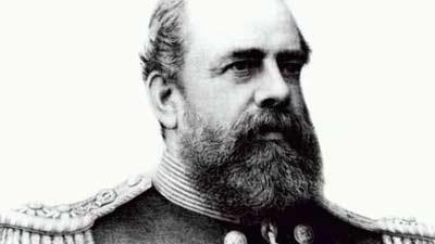 Doppelganger Admiral George Tryon terlihat saat dirinya yang asli mengalami kecelakaan