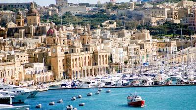 Malta adalah salah satu negara terkecil di dunia yang hanya berukuran 315 km persegi
