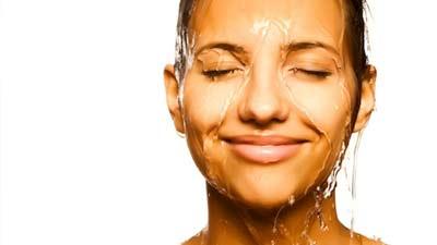 Dengan mandi air dingin maka mood Anda akan lebih baik