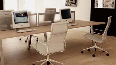 Kursi dan monitor yang dapat diatur sesuka hati adalah salah satu faktor kantor ideal