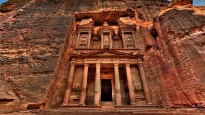 Petra adalah salah satu kota hilang paling terkenal di dunia