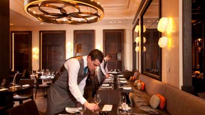 Dinnery by Heston Blumenthal adalah salah satu restoran terbaik di dunia