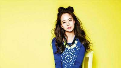 Song Ji Hyo anggota runningman adalah artis yang tidak pernah melakukan operasi plastik