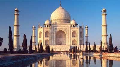 Taj Mahal dii India akan roboh karena polusi lingkungan dan ledakan turis