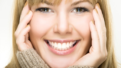 Membaca bahasa tubuh dari kepala, muka, dan ekspresi yang disertakan