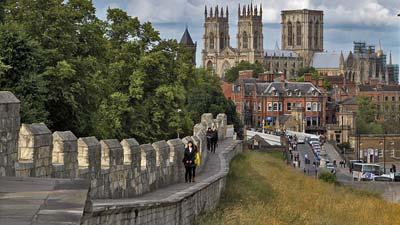 York di Inggris adalah salah satu kota bertembok di dunia