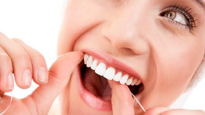 Gunakan benang gigi untuk mencegah nafas bau tidak sedap