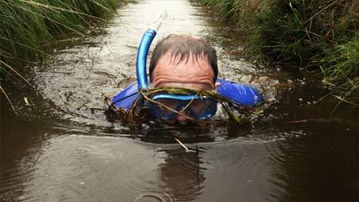 Berenang di rawa alias bog snorkeling