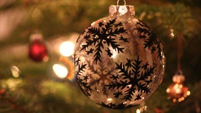 Bola hiasan natal