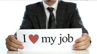 seseorang yang berkata bahwa ia mencintai pekerjaannya