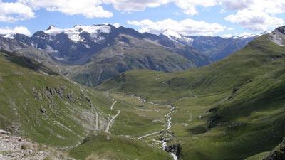 Col d L'Iseran di Savoie Italia yang pernah jadi empat acara Tour de France