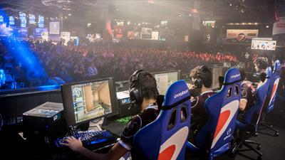 Para gamer dan penonton di electronic sports