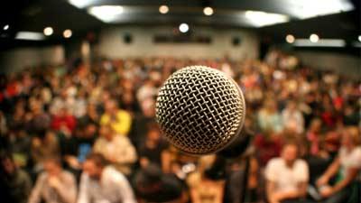 takut berbicara di depan umum? Glossophobia mungkin?