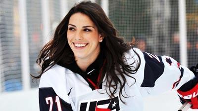 Hilary Knight, atlet hoki es cantik berkebangsaan Amerika