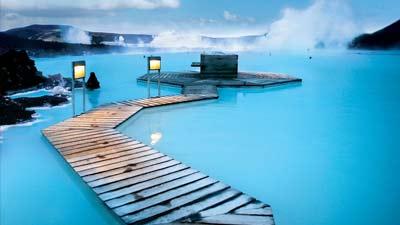 Blue Lagoon di Islandia adalah tempat wisata terbaik untuk wanita single