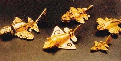 Emas suku inca berbentuk pesawat