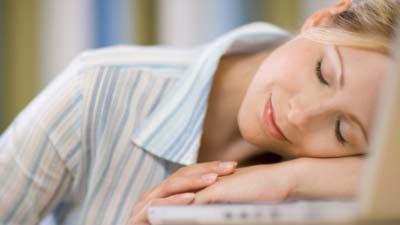 Salahsatu tips dalam bekerja cerdas adalah sering-seringlah istirahat