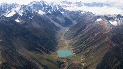 Karakoram Highway atau Karakorum Highway di perbatasan Cina Pakistan