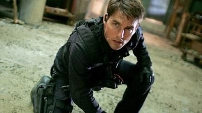 Ethan Hunt (Tom Cruise) dalam Mission: Impossible