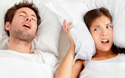 Pria mengorok wanita tidak bisa tidur
