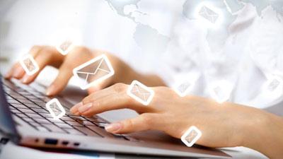 Bagaimana seseorang menggunakan kata-kata dalam email dan merespon suatu email juga menentukan keprbadian mereka