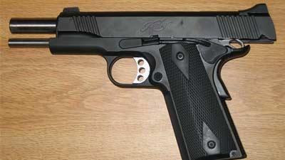Pistol yang kehabisan peluru