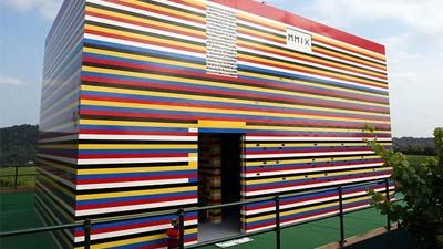Rumah ukuran 1:1 dari lego