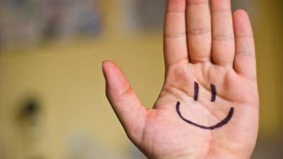 Senyum dapat meningkatkan daya tahan tubuh Anda