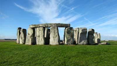 Stonehenge formasi batu raksasa misterius
