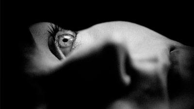 Seseorang yang takut menutup mata