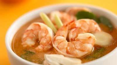 Tom Yum Goong Thailand dengan udang tampak lezat