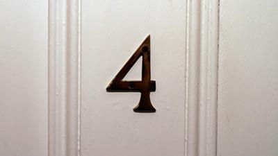 angka 4